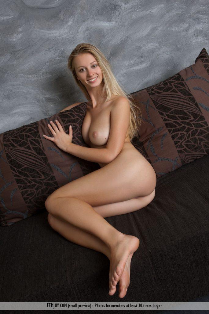 Omegle Blonde Big Tits Flash
