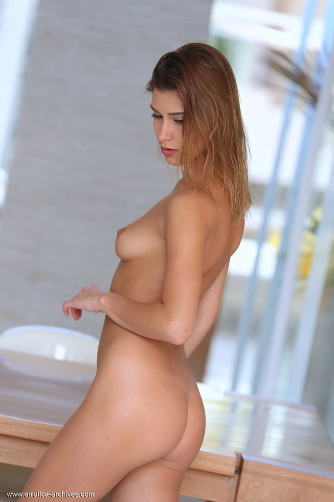 Women naked pictures