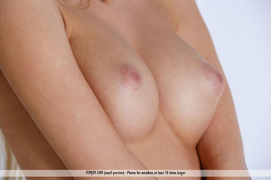 legs nude