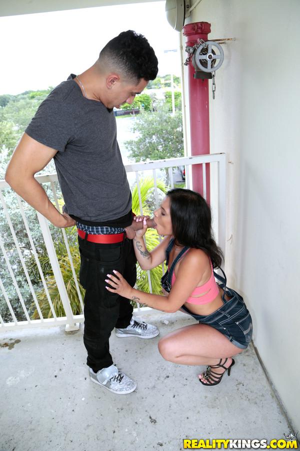 Latina Milf Bubble Butt