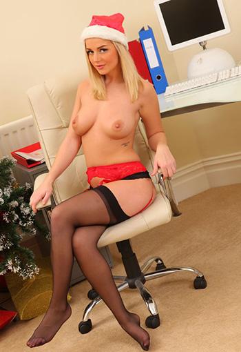 nude secretaries