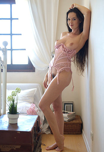 Hot girls naked pics