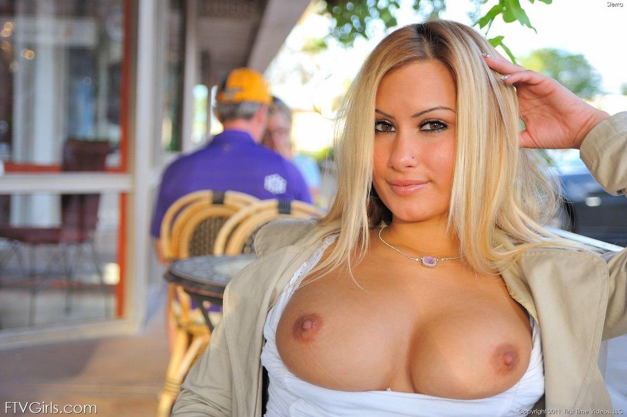 Busty Blonde Chloe Addison Fucks Her Man Streaming